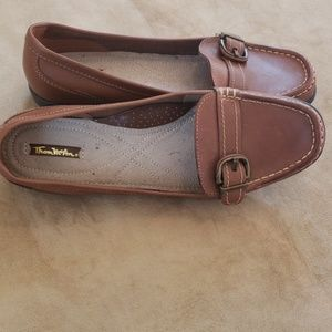 Thom McAn Shoes - Comfy loafers